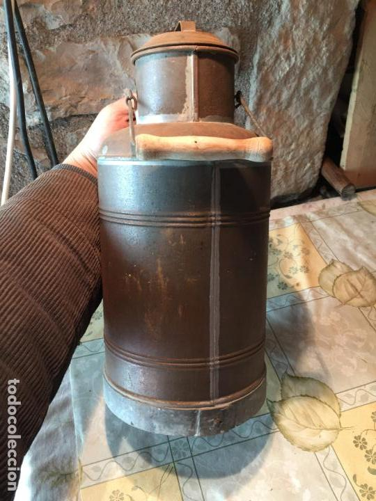Antigüedades: Antiguos aceitera / aceiteras de lata refineria de aceites de Oliva Colmados Simó Barcelona - Foto 17 - 151331354