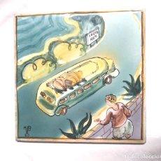 Antigüedades: BUS COSTA BRAVA AZULEJO FIRMADO AUTOR ?? AÑO 1950, BUEN ESTADO. MED. 15 X 15 CM. Lote 151343082
