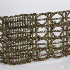 Antigüedades: 14A PASAMANERÍA EN HILOS DE ORO METÁLICA S XIX 1 METRO. Lote 151359018