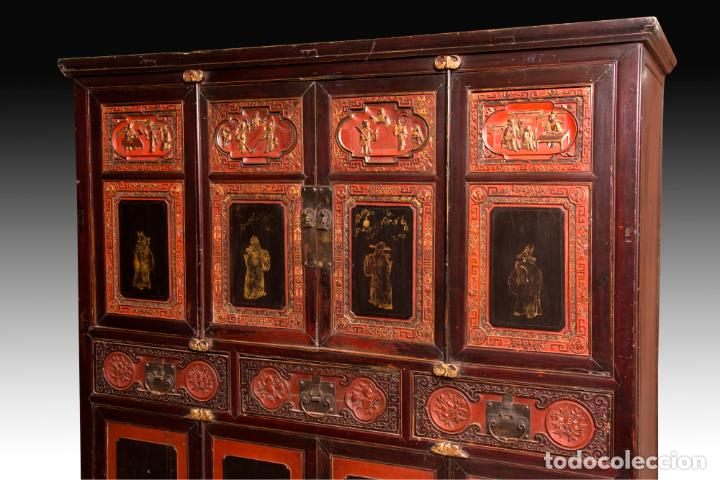 Antigüedades: ARMARIO ORIENTAL EN MADERA TALLADA Y LACADA S. XIX - Foto 2 - 151403913