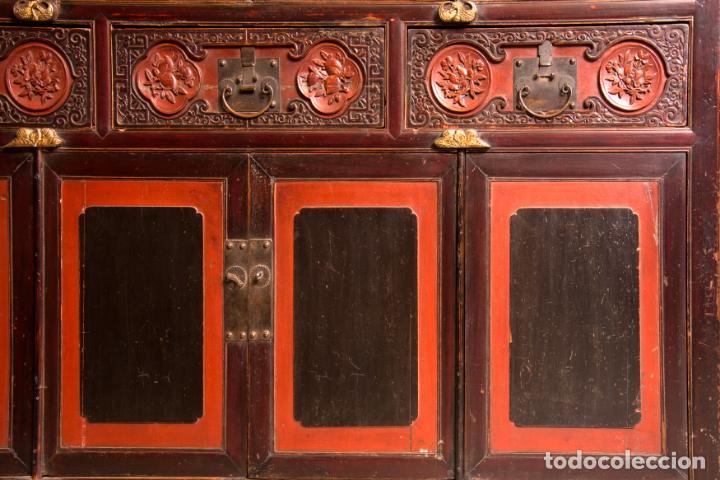 Antigüedades: ARMARIO ORIENTAL EN MADERA TALLADA Y LACADA S. XIX - Foto 3 - 151403913