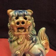 Antigüedades: DRAGON CHINO, PERRO LEON, FOO FU DE PORCELANA VERDE. PRECIOSO Y EN MUY BUEN ESTADO. 10CMS ALTURA. Lote 151434890