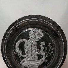 Antigüedades: PLATO DE CRISTAL MORGANTOWN GRABADO DE MICHAEL YATES SERIE LIMITADA 1982. Lote 151457313