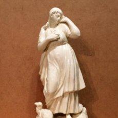 Antigüedades: FIGURA DE CERÁMICA DE ALCORA. Lote 151459454