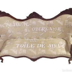 Antigüedades: SOBERBIO SOFÁ-SILLÓN ISABELINO .CAOBA CUBANA,TOILE DE JOUY CON LETRAS-. Lote 151464877