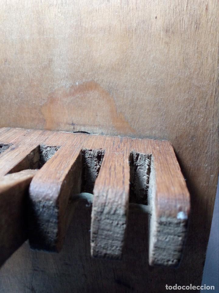 Antigüedades: ANTIGUA CARRACA O MATRACA DE MADERA SIGLO XIX (INSTRUMENTO POPULAR DE SEMANA SANTA) PARA RESTAURAR - Foto 13 - 151527602