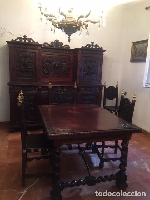 Antigüedades: Comedor de caoba completo, Mesa extensible, vitrina, aparador, reloj de pared, 6 sillas y dos sillon - Foto 2 - 151532320
