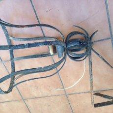 Antigüedades: ANTIGUO FAROL LAMPARA HIERRO CON SOPORTE PARED PARA TERRAZA, JARDIN, CASA RURAL. Lote 151570962