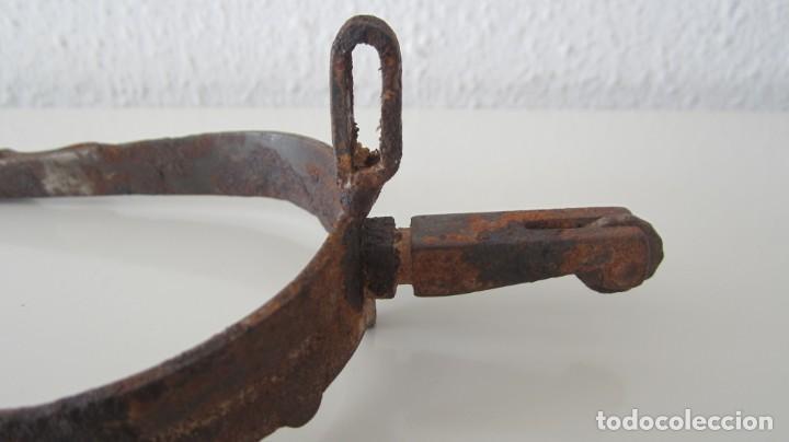 Antigüedades: PAREJA DE ANTIGUAS ESPUELAS DE CABALLO EN HIERRO FORJADO - Foto 5 - 151587962