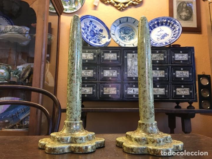 Antigüedades: Pareja de velas eternas WADE en cerámica inglesa - Everlasting Candle - Detalles dorados - Foto 2 - 151590456