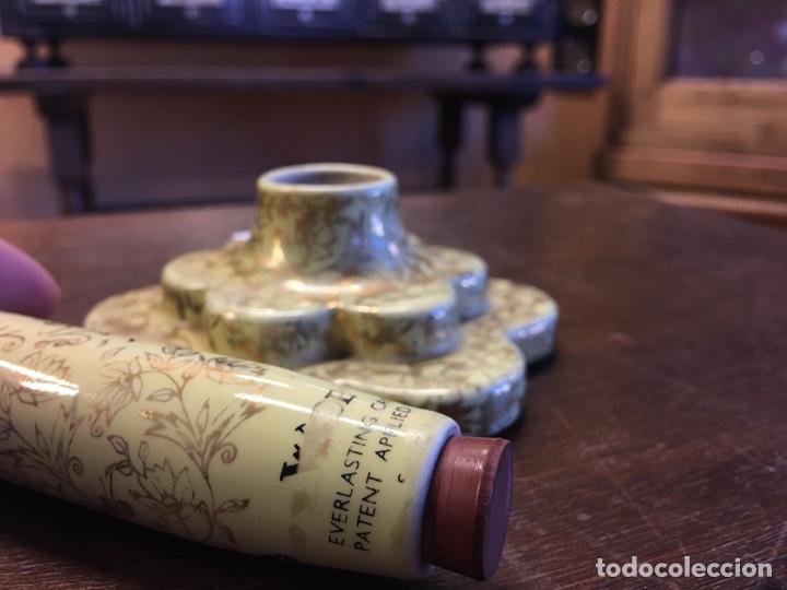 Antigüedades: Pareja de velas eternas WADE en cerámica inglesa - Everlasting Candle - Detalles dorados - Foto 10 - 151590456