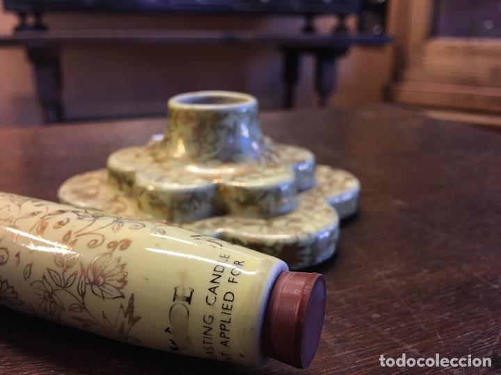 Antigüedades: Pareja de velas eternas WADE en cerámica inglesa - Everlasting Candle - Detalles dorados - Foto 11 - 151590456