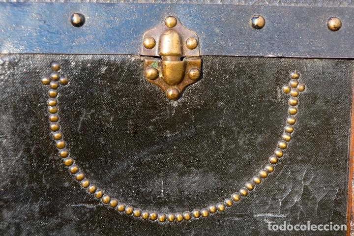 Antigüedades: BAUL DE COCHE 1900 - Foto 2 - 151633258