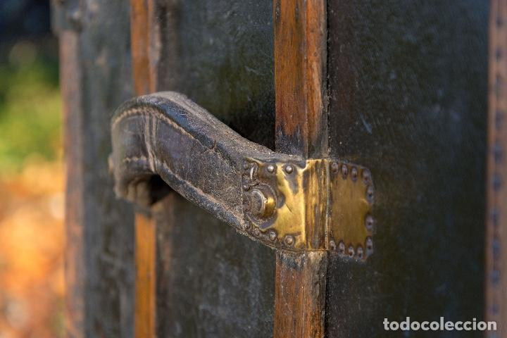 Antigüedades: BAUL DE COCHE 1900 - Foto 5 - 151633258