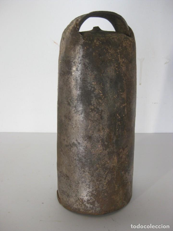 Antigüedades: Cencerro o campano para animales tipo oveja. - Foto 2 - 151637486