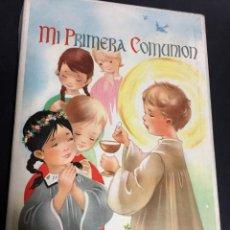 Antigüedades: ANTIGUO LIBRO MI PRIMERA COMUNION CON SU CAJA ILUSTRACIONES Mª ROSA GARCIA NUEVO VER FOTOGRAFIAS. Lote 151653082