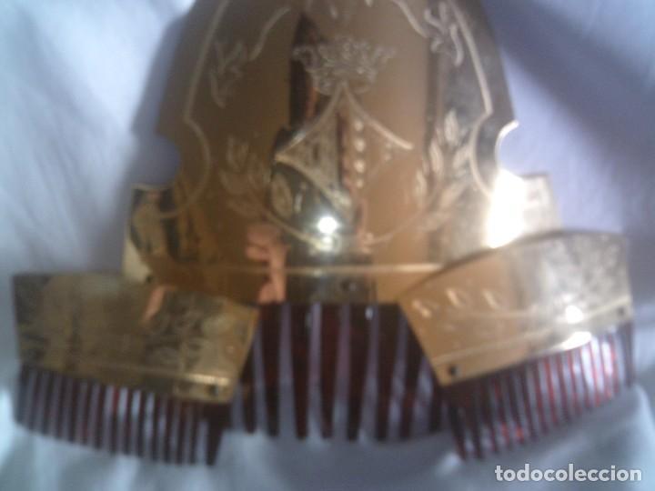 Antigüedades: ~~~~ JUEGO DE PEINETAS FALLERA VALENCIANA, BELLISIMO CINCELADO A MANO. ~~~~ - Foto 5 - 151653290