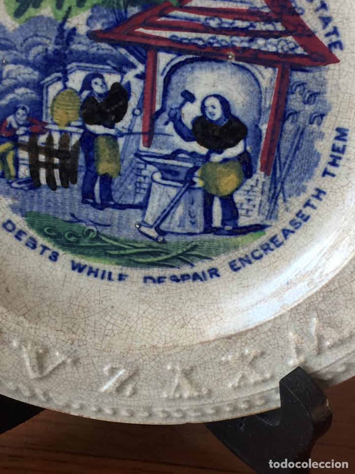 Antigüedades: Plato porcelana ingles muy antiguo pintado a mano. - Foto 4 - 151664364