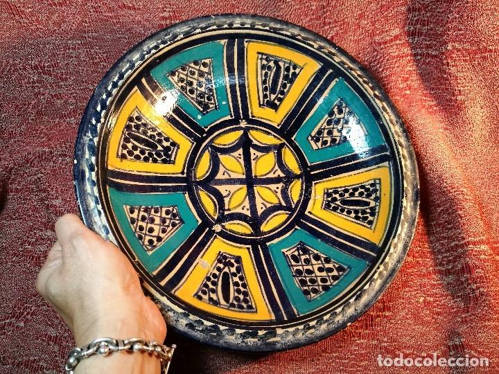 Antigüedades: CERAMICA. SEVILLA. TRIANA. PLATO GRANDE FUENTE LEBRILLO DE LOS AÑOS 20 - Foto 4 - 151687806