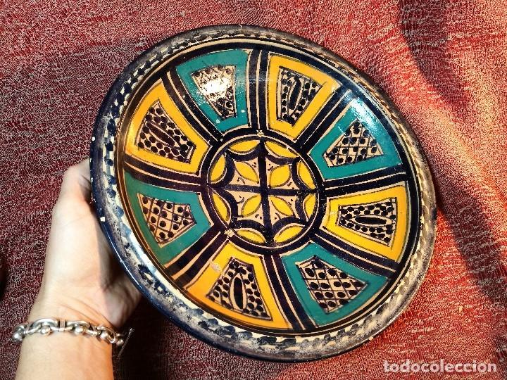 Antigüedades: CERAMICA. SEVILLA. TRIANA. PLATO GRANDE FUENTE LEBRILLO DE LOS AÑOS 20 - Foto 5 - 151687806