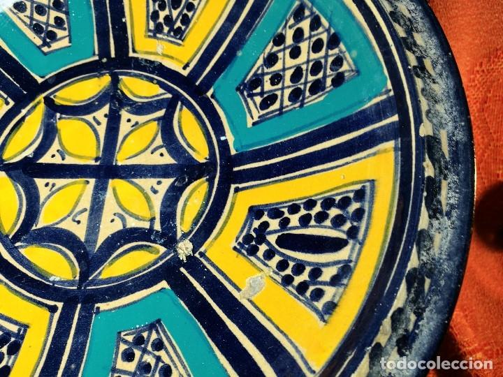 Antigüedades: CERAMICA. SEVILLA. TRIANA. PLATO GRANDE FUENTE LEBRILLO DE LOS AÑOS 20 - Foto 8 - 151687806