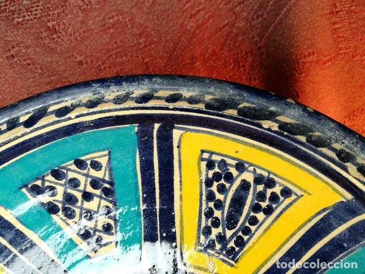 Antigüedades: CERAMICA. SEVILLA. TRIANA. PLATO GRANDE FUENTE LEBRILLO DE LOS AÑOS 20 - Foto 10 - 151687806