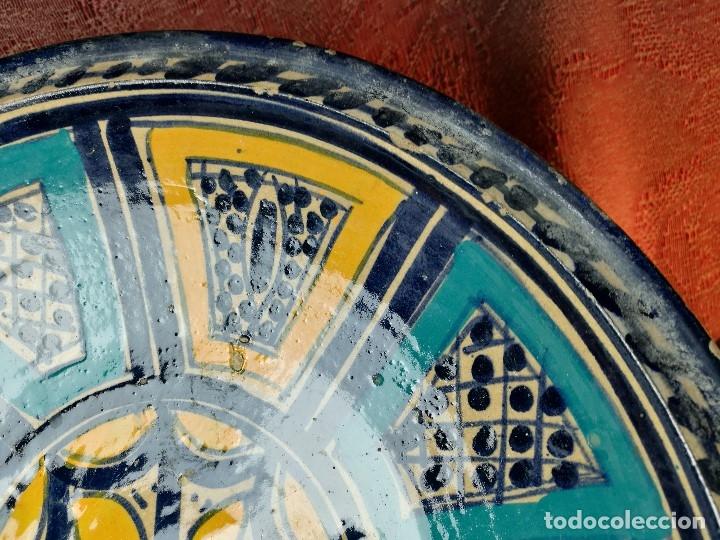 Antigüedades: CERAMICA. SEVILLA. TRIANA. PLATO GRANDE FUENTE LEBRILLO DE LOS AÑOS 20 - Foto 9 - 151687806