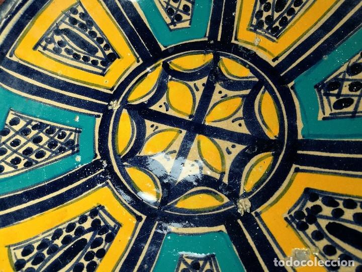 Antigüedades: CERAMICA. SEVILLA. TRIANA. PLATO GRANDE FUENTE LEBRILLO DE LOS AÑOS 20 - Foto 13 - 151687806