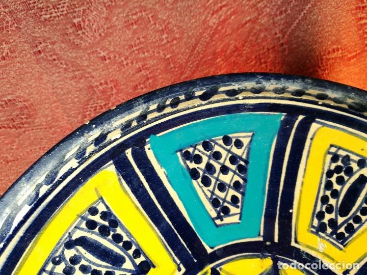 Antigüedades: CERAMICA. SEVILLA. TRIANA. PLATO GRANDE FUENTE LEBRILLO DE LOS AÑOS 20 - Foto 11 - 151687806