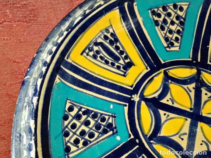 Antigüedades: CERAMICA. SEVILLA. TRIANA. PLATO GRANDE FUENTE LEBRILLO DE LOS AÑOS 20 - Foto 12 - 151687806