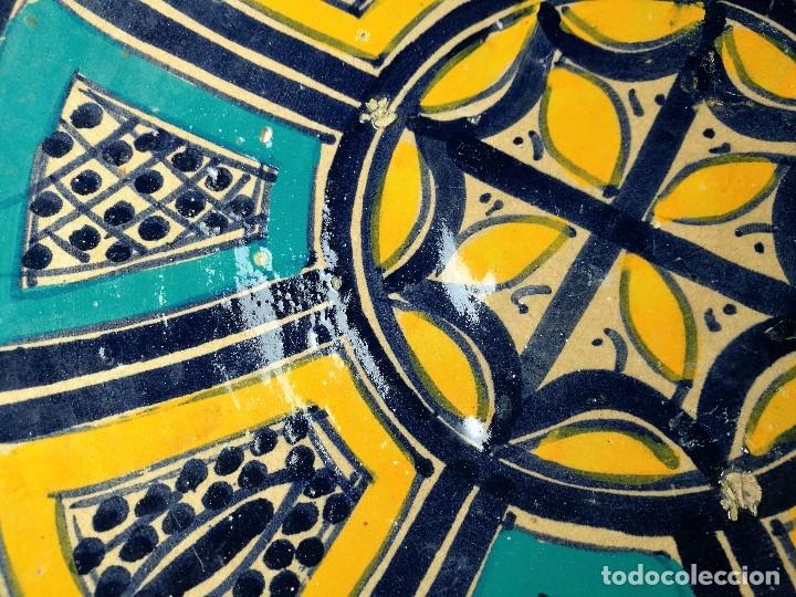 Antigüedades: CERAMICA. SEVILLA. TRIANA. PLATO GRANDE FUENTE LEBRILLO DE LOS AÑOS 20 - Foto 15 - 151687806
