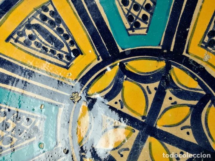 Antigüedades: CERAMICA. SEVILLA. TRIANA. PLATO GRANDE FUENTE LEBRILLO DE LOS AÑOS 20 - Foto 16 - 151687806