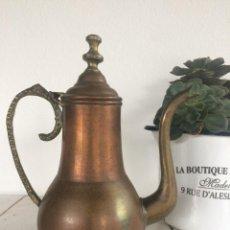 Antigüedades: ANTIGUA CAFETERA TETERA DE COBRE CON ASA DE BRONCE.. Lote 151716822