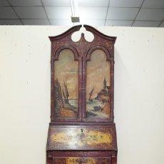 Antigüedades: ANTIGUO MUEBLE ESCRITORIO CON ALTILLO PINTADO A MANO. Lote 151741786