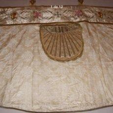 Antigüedades: CAPA PLUVIAL BLANCA. Lote 151762710