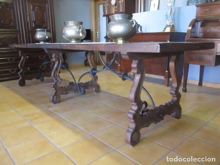 GRAN MESA ESTILO BARROCO - SOBRE DE UNA PIEZA EN MADERA DE ROBLE - 3 PATAS DE LIRA -HIERROS FORJADOS (Antigüedades - Muebles Antiguos - Mesas Antiguas)