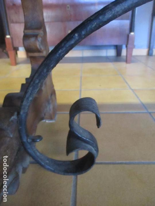 Antigüedades: Gran Mesa Estilo Barroco - Sobre de una Pieza en Madera de Roble - 3 Patas de Lira -Hierros Forjados - Foto 10 - 151855790
