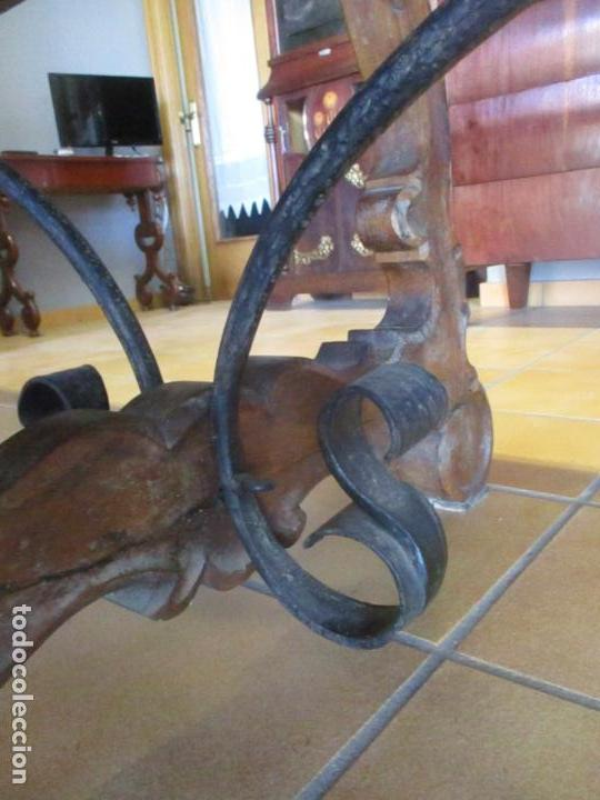 Antigüedades: Gran Mesa Estilo Barroco - Sobre de una Pieza en Madera de Roble - 3 Patas de Lira -Hierros Forjados - Foto 11 - 151855790