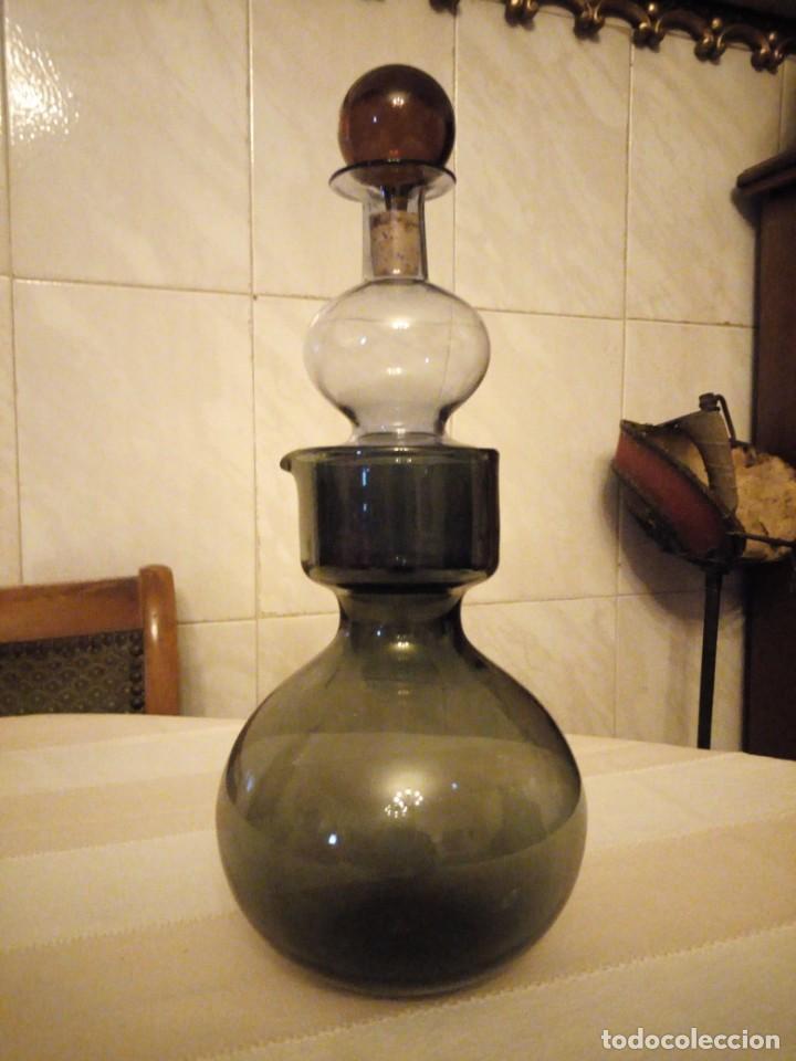 Antigüedades: Antiguo servicio de jarra y licorera de cristal en 3 colores,para servir anis con agua. - Foto 2 - 151878134