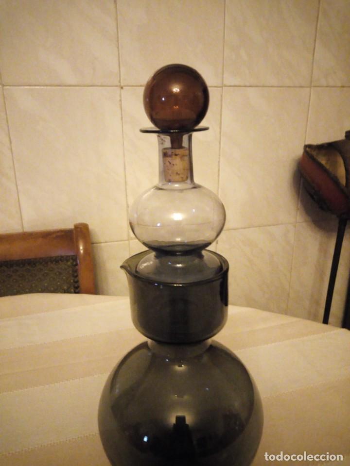 Antigüedades: Antiguo servicio de jarra y licorera de cristal en 3 colores,para servir anis con agua. - Foto 3 - 151878134
