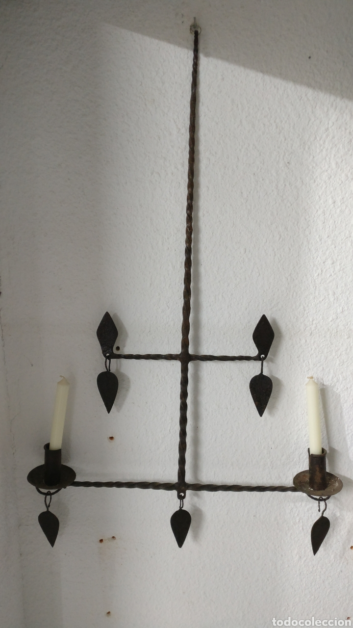 Antigüedades: Antiguo gran candelabro de forja 2 velas y 4 brazos. - Foto 2 - 151899504