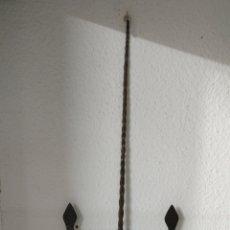 Antigüedades: CANDELABRO 2 VELAS. Lote 151899504
