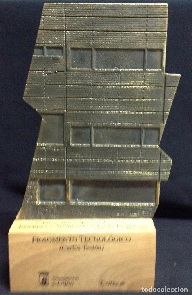 Antigüedades: Escultura en bronce, Fragmento Tecnológico, de Carlos Teston. 26 x 15 x 6 cm. - Foto 2 - 151902822