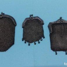 Antigüedades: LOTE 3 MONEDEROS ANTIGUOS DE MALLA DE PLATA, AÑOS 20.. Lote 151906646