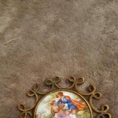 Antigüedades: PRECIOSO MEDALLON DE LIMOGES SELLADO - FIRMADO FRAGONARD - BORDE EN BRONCE . Lote 151911678