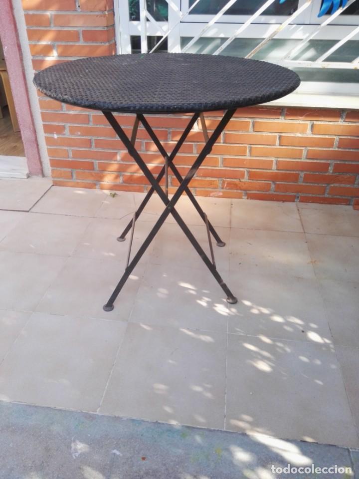 Antigüedades: 4 sillas y mesa de jardín - Foto 5 - 151968630