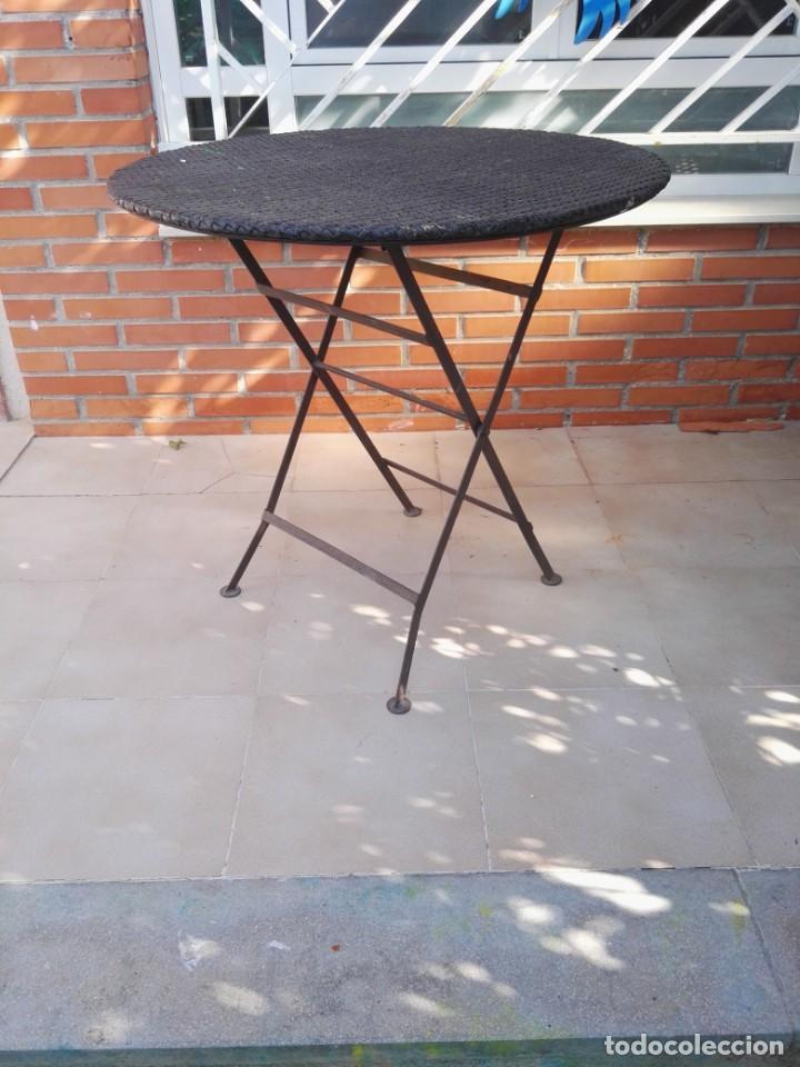 Antigüedades: 4 sillas y mesa de jardín - Foto 6 - 151968630