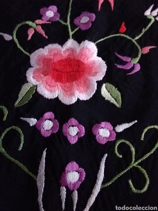 PRECIOSO PICO DE MANTÓN BORDADO (Antigüedades - Moda y Complementos - Mujer)