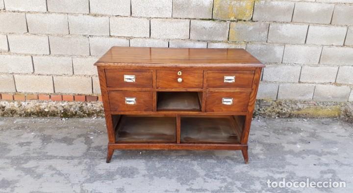 Antigüedades: Mostrador antiguo estilo art decó. Mueble televisión aparador antiguo estilo industrial vintage. - Foto 2 - 152056958