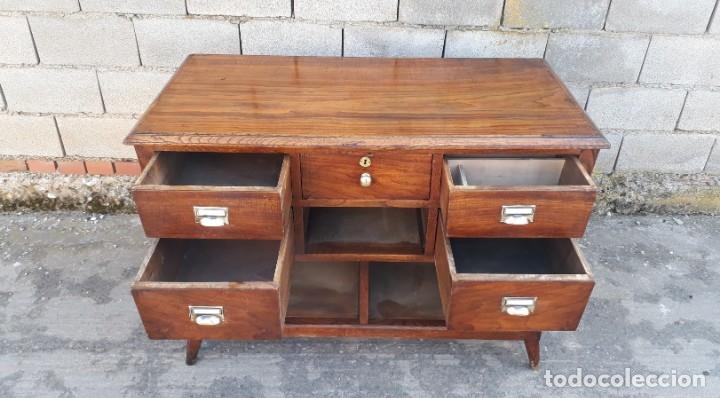Antigüedades: Mostrador antiguo estilo art decó. Mueble televisión aparador antiguo estilo industrial vintage. - Foto 10 - 152056958